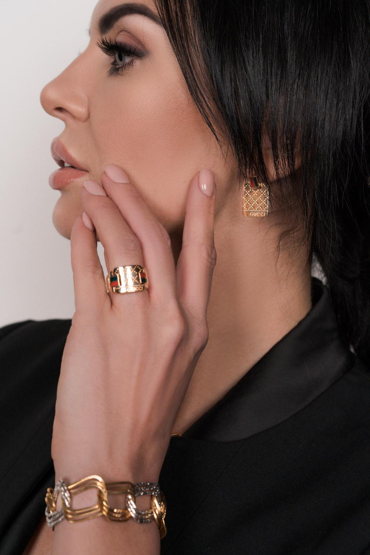 Креативный золотой комплект в стиле Gucci